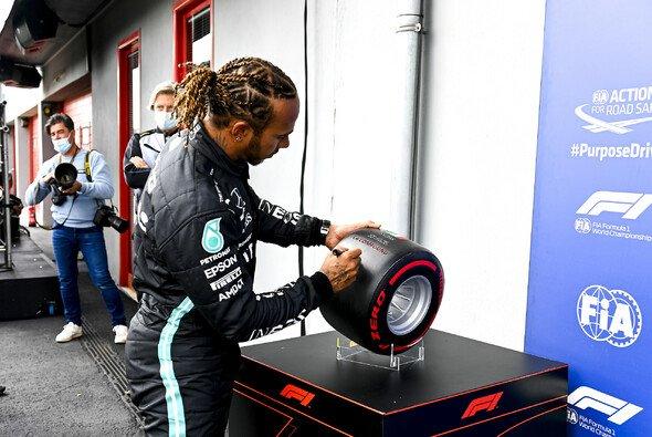 Hamilton & Mercedes setzen sich heute im Imola-Qualifying knapp durch - Foto: LAT Images
