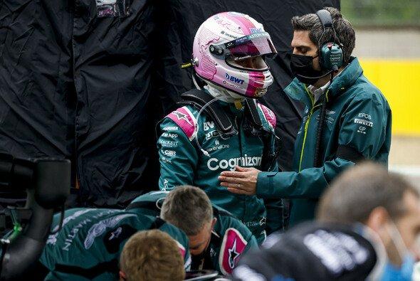 Sebastian Vettel war beim Formel-1-Rennen in Imola von Anfang an auf verlorenem Posten - Foto: LAT Images