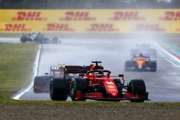 Charles Leclerc verpasste beim Formel-1-Rennen die Chance auf ein Podium mit Ferrari - Foto: LAT Images
