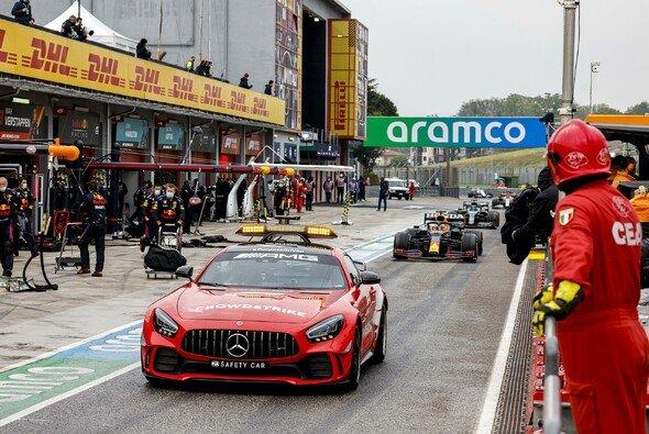 Das Formel-1-Rennen in Imola musste zur Rennmitte abgebrochen werden - Foto: LAT Images