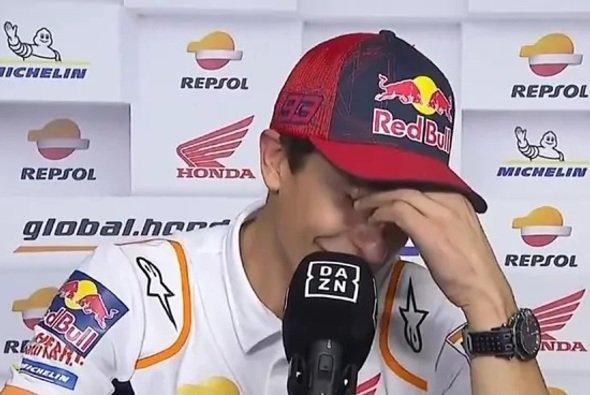Marc Marquez kämpfte mit seinen Tränen - Foto: Screenshot/DAZN