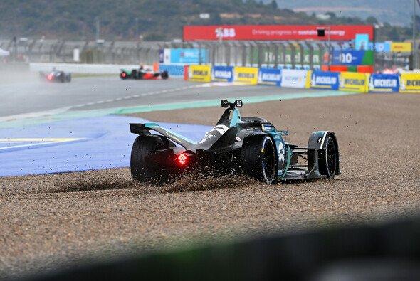 Das Formel-E-Chaos in Valencia sorgte für große Aufmerksamkeit - Foto: LAT Images
