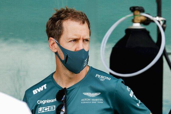 Sebastian Vettel möchte den Fehlstart mit Aston Martin in die Formel-1-Saison 2021 nicht überbewerten - Foto: LAT Images