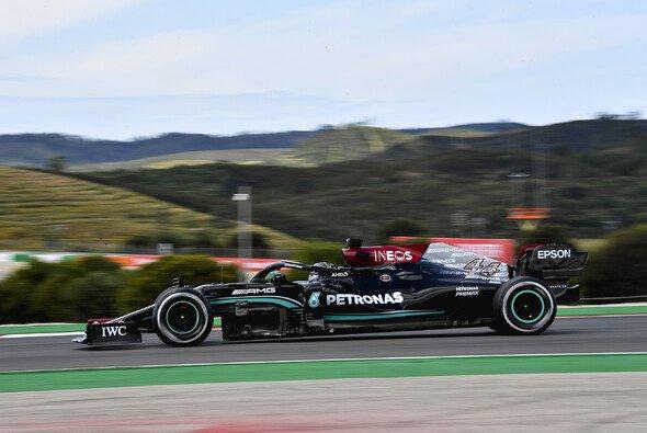 Lewis Hamilton fuhr im 2. Freien Training der Formel 1 in Portugal die Bestzeit - Foto: LAT Images