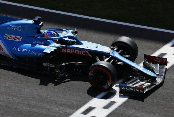 Fernando Alonso beendete das Qualifying auf Position 13 - Foto: LAT Images
