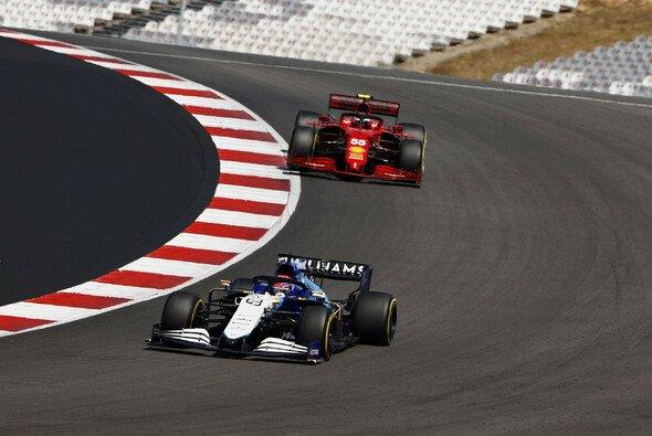 Für George Russell ging es im Portugal Grand Prix nur nach hinten - Foto: LAT Images