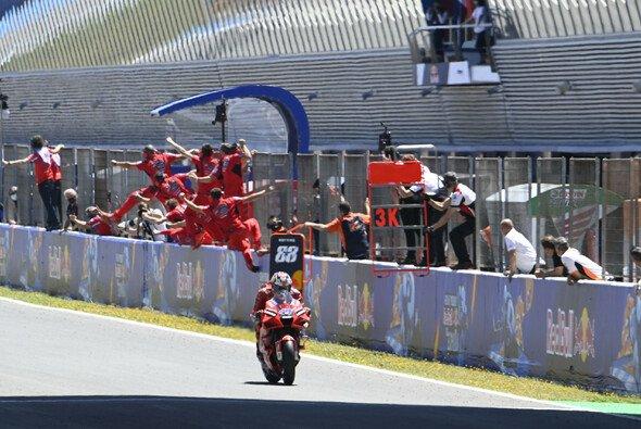 Jack Miller feiert den zweiten Sieg in seiner MotoGP-Karriere. - Foto: LAT Images