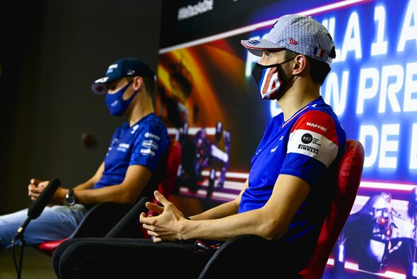 George Russell und Esteban Ocon, zwei Mercedes-Junioren - Foto: LAT Images