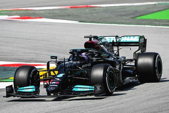 Lewis Hamilton war am Freitag der Schnellste: Was gelingt Mercedes im Qualifying? - Foto: LAT Images