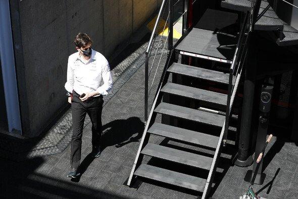 Toto Wolff marschierte in Silverstone persönlich hoch zu den Stewards (Archivbild) - Foto: LAT Images