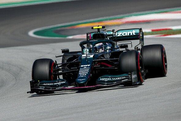 Sebastian Vettel hat trotz neuer Teile das Q3 in Spanien verpasst - Foto: LAT Images