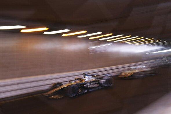 Jetzt auch mit Tunnel: Erfolgreiche GP-Kurs-Premiere der Formel E in Monaco - Foto: LAT Images
