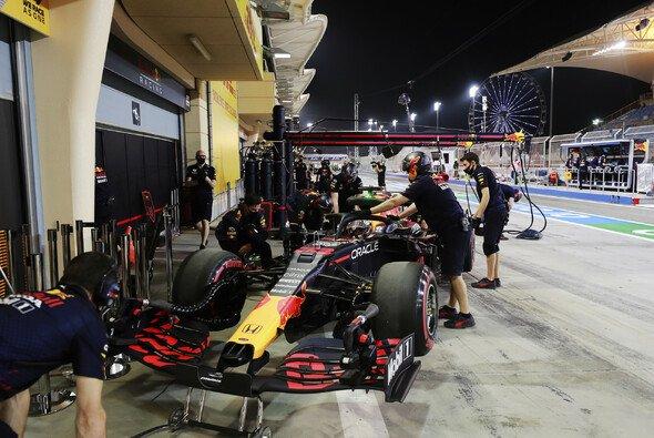 Neue Regeln für die Verbiegungstests: Muss Red Bull den RB16B umbauen? - Foto: LAT Images