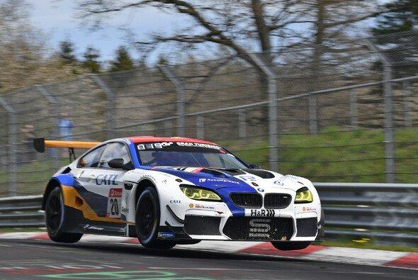 Schubert Motorsport erlebte ein turbulentes Wochenende mit Lehrcharakter auf der Nordschleife - Foto: Frozenspeed