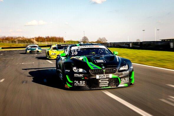 Heimrennen zum Auftakt: Schubert Motorsport startet in der Motorsport Arena Oschersleben in die ADAC-GT-Masters-Saison 2021. - Foto: Alexander Trienitz