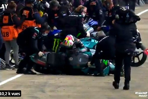 Franco Morbidelli ging beim Motorrad-Wechsel zu Boden - Foto: MotoGP.com/Twitter