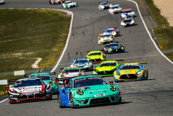 Das 24-Stunden-Rennen auf dem Nürburgring muss nicht ohne Zuschauer ausgetragen werden - Foto: Gruppe C Photography