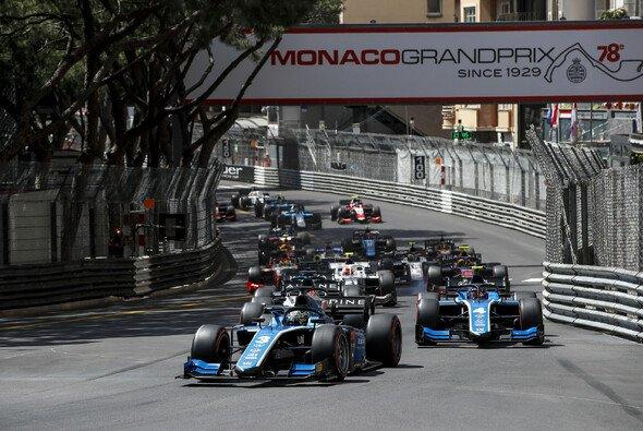 Sieg in Monaco: Guan Yu Zhou in seinem Formel-2-Boliden - Foto: LAT Images