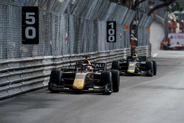 Liam Lawson hat am Samstagvormittag das zweite Rennen der Formel 2 in Monaco gewonnen - Foto: LAT Images