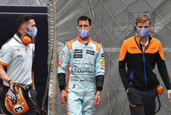 Daniel Ricciardo musste in Monaco wieder vorzeitig aussteigen - Foto: LAT Images