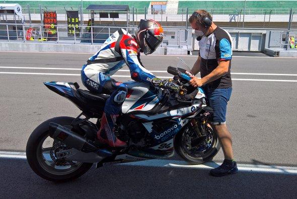 Bei Jonas Folger lief es im Qualifying nicht optimal - Foto: Bonovo Action / MGM Racing Performance - BMW Motorrad