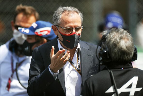 Stefano Domenicali ist seit 2021 Formel-1-CEO - Foto: LAT Images