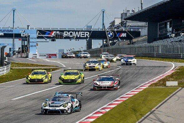 Porsche startet als Favorit ins 24h-Rennen Nürburgring 2021 - Foto: 24h Nürburgring