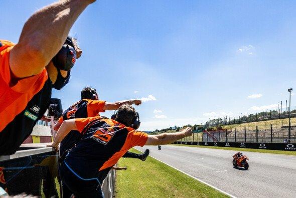 Miguel Oliveira fuhr für KTM in Mugello den ersten Podiumsplatz 2021 ein - Foto: KTM