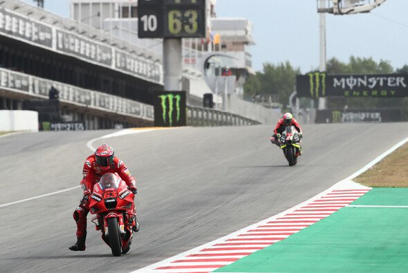 Ducati hat am Freitag in Barcelona die Nase vorne. - Foto: LAT Images