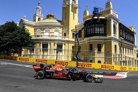 Sergio Perez ist vom Bummeln mancher Rennfahrer-Kollegen genervt - Foto: LAT Images
