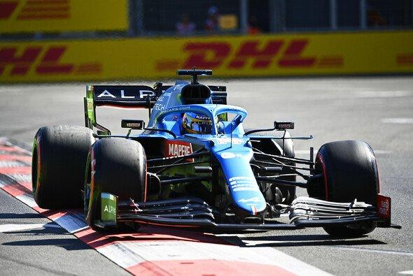 Fernando Alonso gelang in Baku der Sprung ins Q3 - Foto: LAT Images