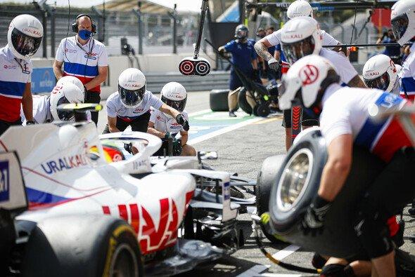 Mick Schumacher wurde beim Formel-1-Rennen in Frankreich nach seinem besten Qualifying nur 19. - Foto: LAT Images