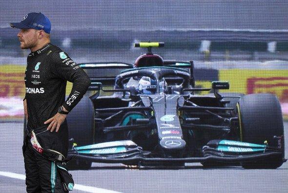 Muss sich Valtteri Bottas außerhalb des Mercedes-Teams umsehen? - Foto: LAT Images