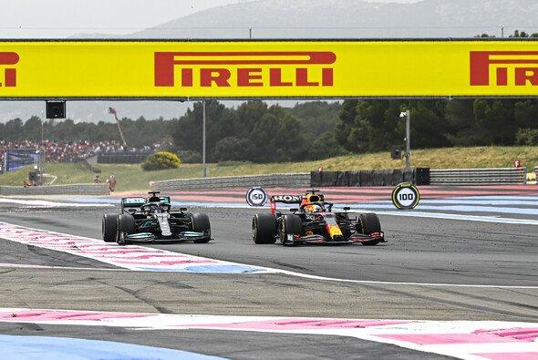 Max Verstappen hatte leichtes Spiel mit Hamilton - Foto: LAT Images
