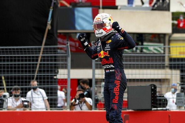 Verstappen holte sich heute in Frankreich den nächsten Sieg - Foto: LAT Images