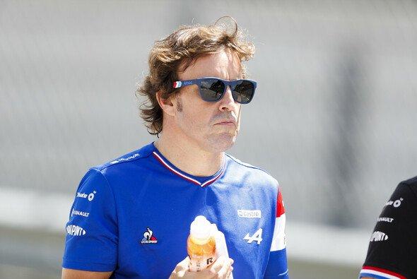 Fernando Alonso: Sehen wir ihn 2024 noch an der Seite von Esteban Ocon bei Alpine? - Foto: LAT Images
