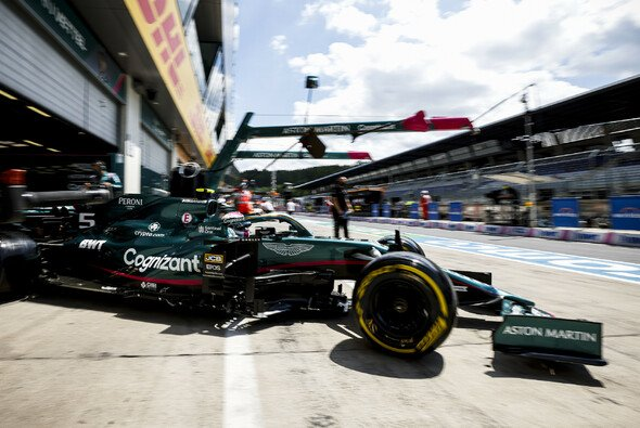 Heute präsentierten sich Sebastian Vettel und Aston Martin stark - Foto: LAT Images
