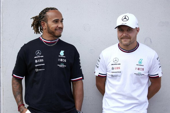 Valtteri Bottas baut bei den Verhandlungen mit Mercedes für 2022 auf den Support von Lewis Hamilton - Foto: LAT Images
