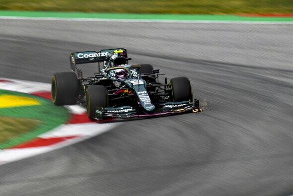 Sebastian Vettel präsentierte sich in den Trainings der Formel 1 in Österreich - Foto: LAT Images