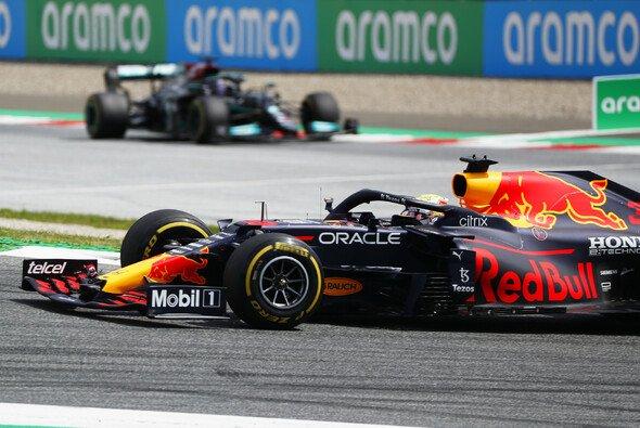Red-Bull-Pilot Max Verstappen feierte am Sonntag beim Formel-1-Rennen in Österreich seinen vierten Saisonsieg - Foto: LAT Images