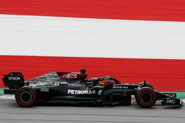 Lewis Hamilton sicherte Mercedes im 2. Freien Training der Formel 1 in Österreich die Bestzeit - Foto: LAT Images