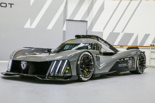 Am Dienstag stellte Peugeot den 9X8 für die Le-Mans-Rückkehr vor - Foto: Uli Sonntag