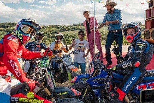 Das Musikvideo auf Rossis Moto Ranch wurde am Montag veröffentlicht - Foto: Valentino Rossi VR46 Official