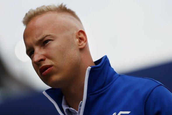 Nikita Mazepin wirft seinem Teamkollege Mick Schumacher vor, unfair gehandelt zu haben - Foto: LAT Images