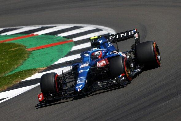 Esteban Ocon knüpfte in Silverstone wieder an die bessere Form des Saisonstarts an - Foto: LAT Images