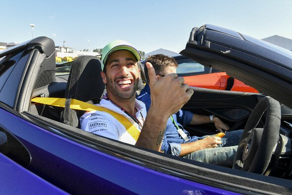 Daniel Ricciardo kommt im McLaren allmählich auf Touren - Foto: LAT Images