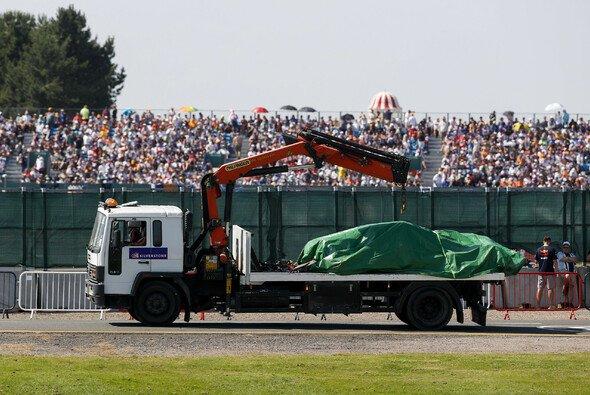 Red Bull hat mit dem Unfall zwischen Max Verstappen und Lewis Hamilton noch lange nicht abgeschlossen - Foto: LAT Images