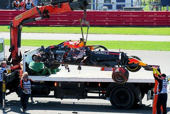 Max Verstappen droht im Laufe der Formel-1-Saison 2021 noch eine Strafversetzung - Foto: LAT Images
