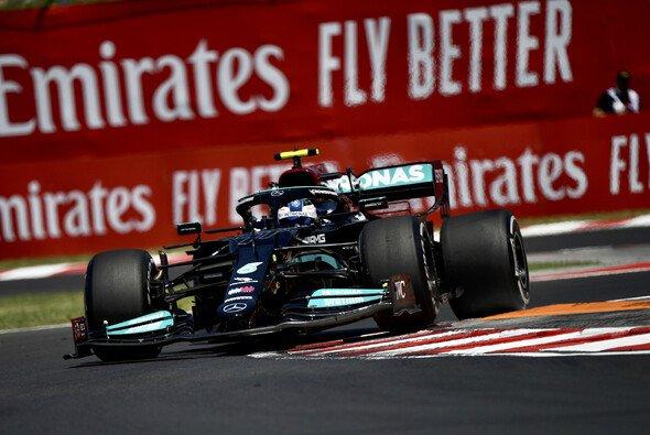 Mercedes-Pilot Valtteri Bottas beendete den Freitag der Formel 1 in Ungarn mit der Bestzeit - Foto: LAT Images
