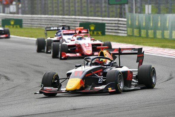 Ayumu Iwasa schaffte in Ungarn seinen ersten Formel-3-Sieg - Foto: LAT Images